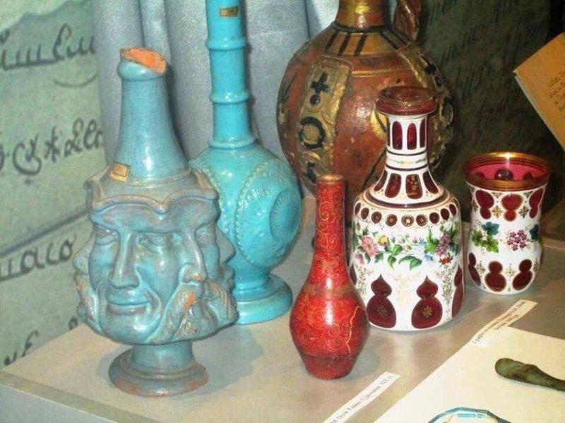 Старожитності з колекції О.М. Поля. Фото: http://sobitie.com.ua/dnepropetrovsk-novosti/v-dnepre-otkrylas-vystavka-k-185-letiyu-so-dnya-rozhdeniya-aleksandra-polya